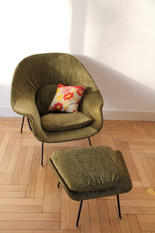 Vintage Saarinen Womb chair for Knoll