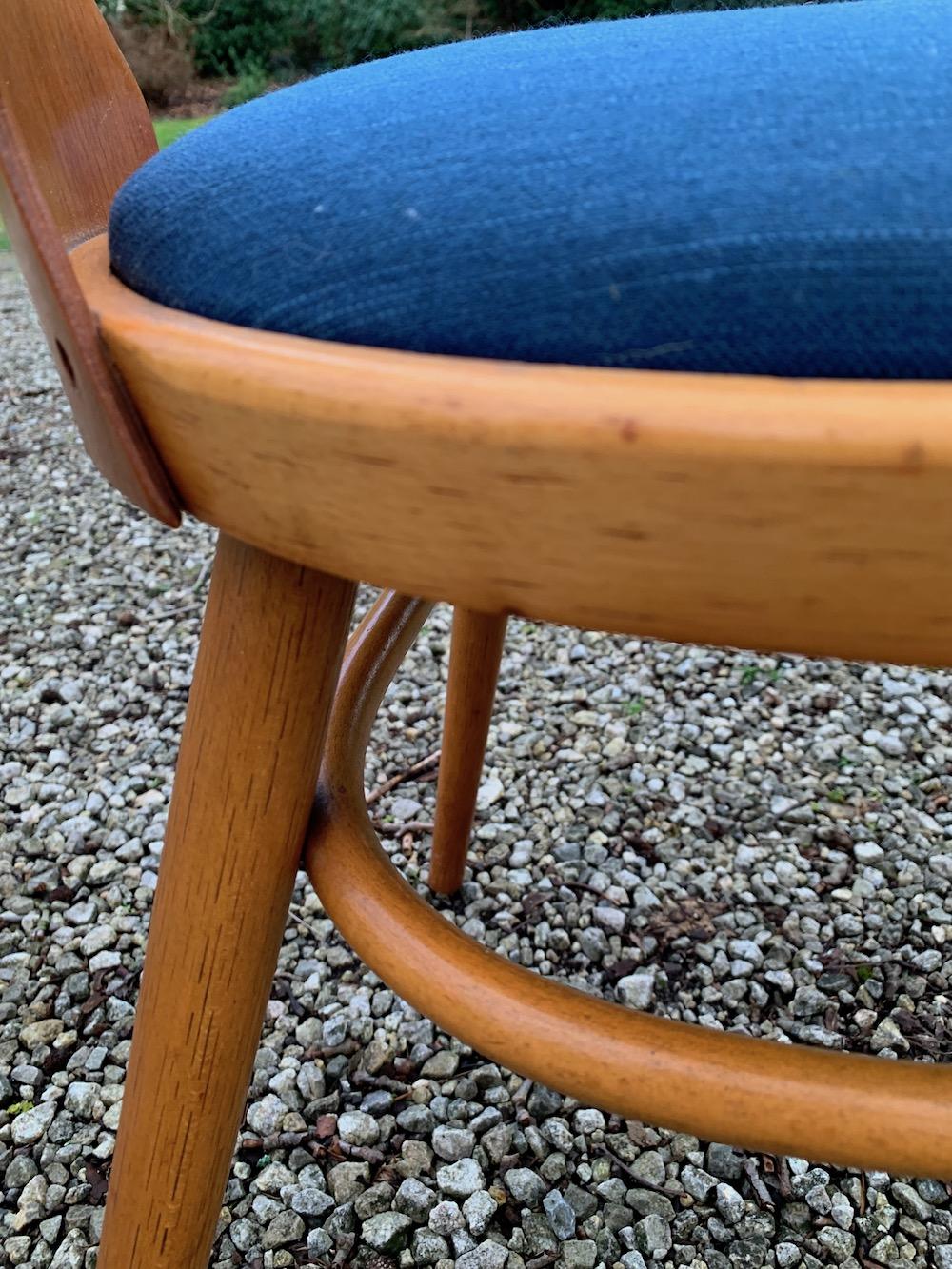 Radomir Hofman, vintage chairs, wooden chairs, design chairs, Czech design, dining, dining chairs, chaises vintage, chaises bois, European design, midmod, midcentury modern design, kitchen,