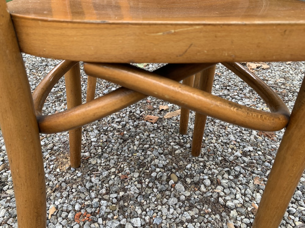 chaises bistrot, chaises vintage, bentwood, Thonet chairs, vintage chairs, wooden chairs, chairs with charm