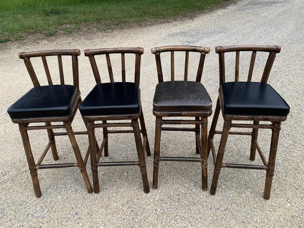 bamboo stools, high stools, bar stools, vintage barstools, vintage stools, bamboo and leather, tabourets bambou, tabourets vintage, cuir et bambou, vintage chairs, chaises vintage, tabourets cuir, leather stools, pool decoration, décoration intérieure, interior decor, interior deco, tabourets masculins, beaux tabourets, stunning stools