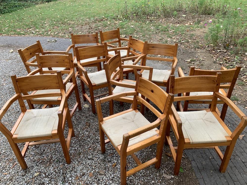 Tage Poulsen, Danish chairs, armrests, chairs with armrests, rope chairs, pine chairs, pine, pin, chaises pin, chaises vintage, vintage chairs, chaise accoudoir, corde et pin, chaise corde et pin, chaises danoises, assise en corde, assise corde, rope chairs, rope seating , tage poulsen style, chaises salle à manger, dining chairs, dining, dining room,  style danois, Danish style, interior decoration, interior styling, interior decor, décoration intérieur, salle à manger, chaises à diner