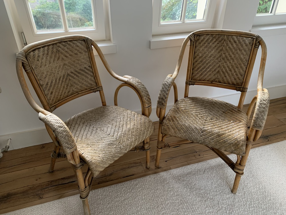 rattan chairs, chaises rotin, chaises vintage, vintage chairs, chairs with a soul, chaises anciennes, chaises en rotin, chaises de campagne, countryside chairs, old chairs, lounge chairs, rattan, mobilier vintage, belles chaises, original chairs