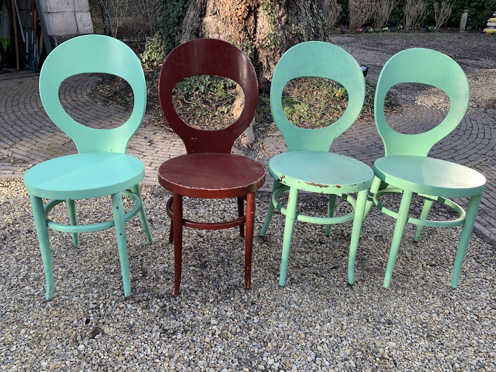 Baumann, mouette, Baumann mouette, design chairs, vintage chairs, wooden chairs, painted chairs, kitchen chairs, dining chairs, dining room , kitchen, charming chairs, interiors, home decoration, beautiful chairs, chairs with character, kitchen table chairs, French chairs, bistrot chairs, bistro chairs, chaises bistrot, chaises bistro