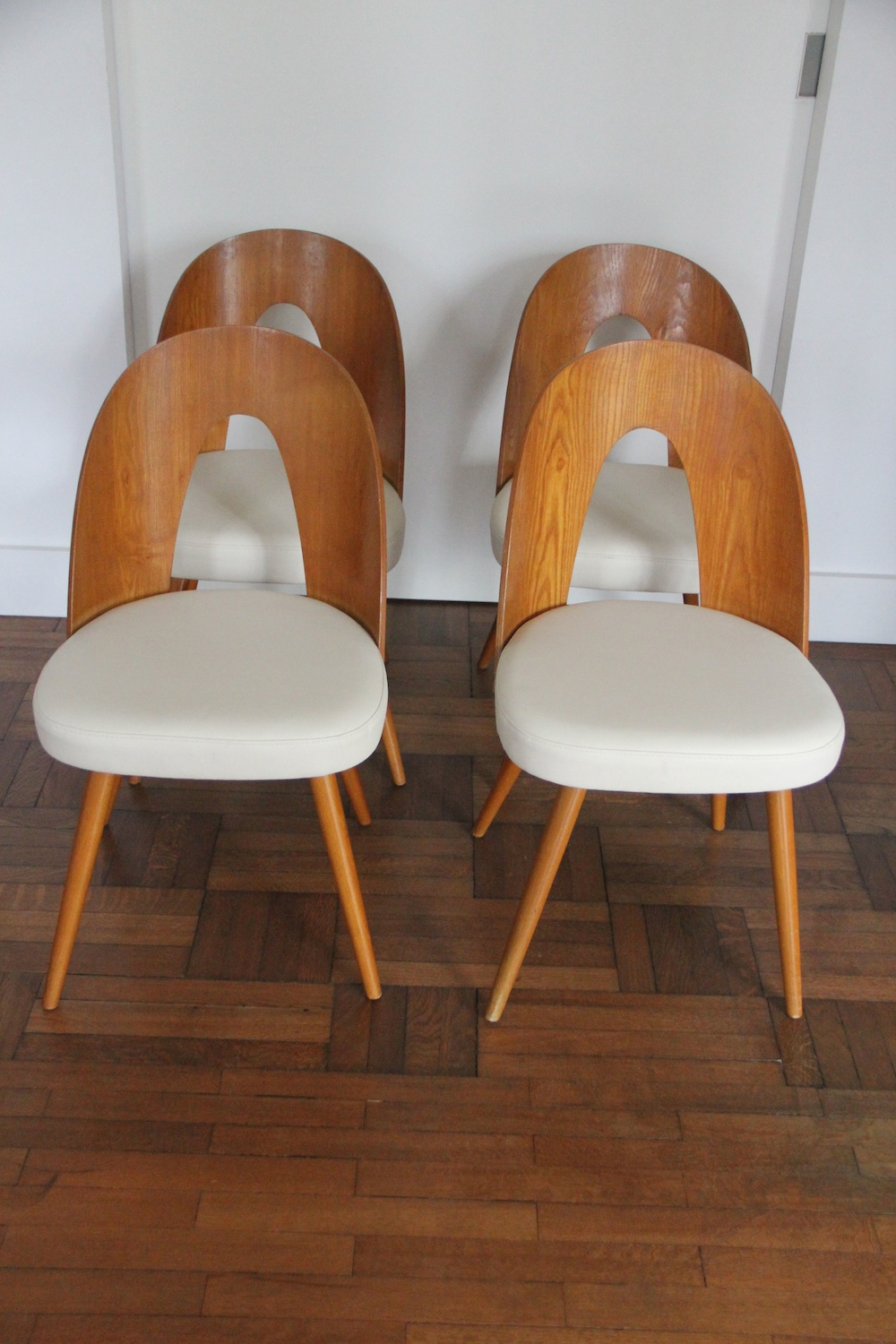 Thonet Dining Chairs By Antonin Suman Nicechairs