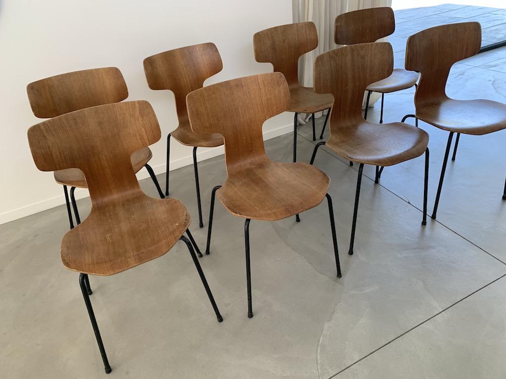 Hammerhead, hammerhead chairs, arne jacobsen, arne jacobsen chairs, school chairs, wooden chairs, dining chair, kitchen chair, kitchen chairs, charming chairs, metallic frame chairs, danish chairs, scandinavian design, vintage chairs, chaises vintage, vintage design, vintage design chairs, design chairs, chic chairs, set of chairs, set of vintage chairs