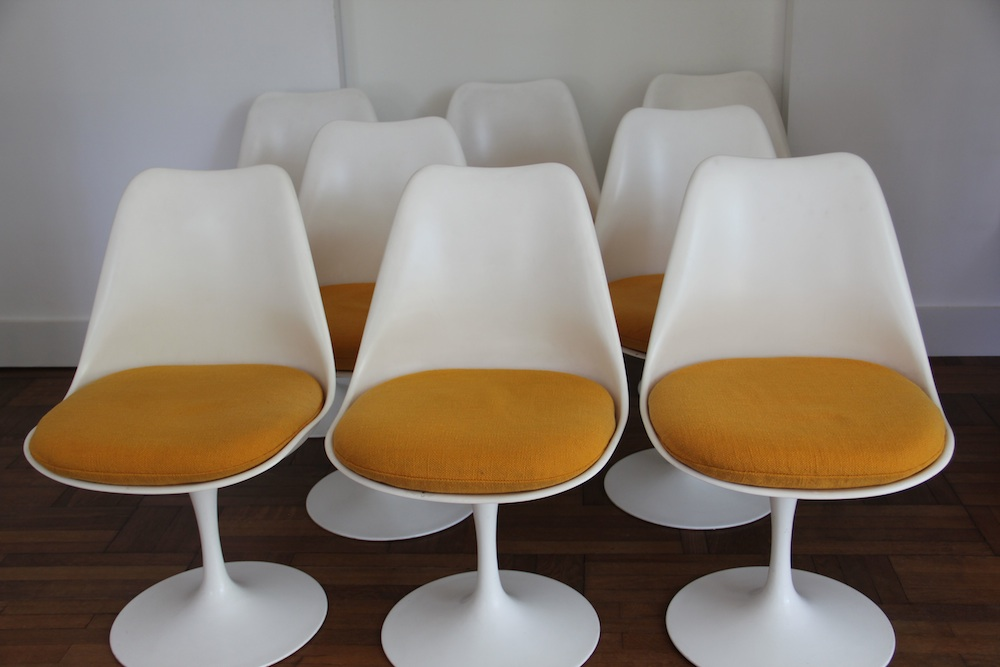 Vintage set of tulip chairs by Saarinen for Knoll